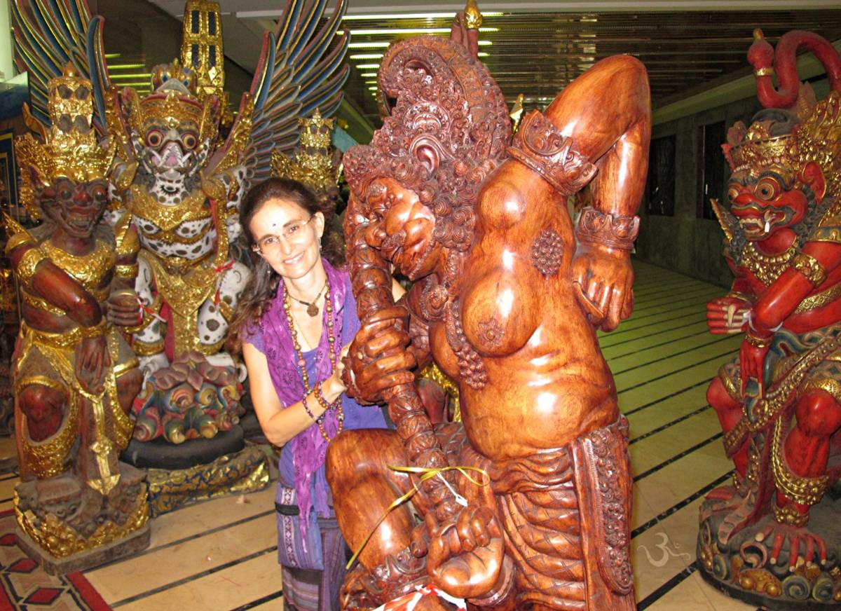 I say goodbye to my favorite statues Bhima - Rakhasa - Sugriwa - Garuda