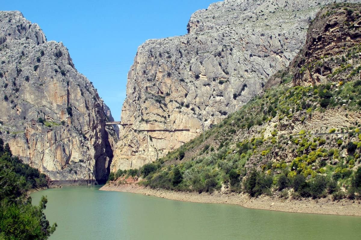 the famous Camino de Rey (near Gualdahorce Reservoir)