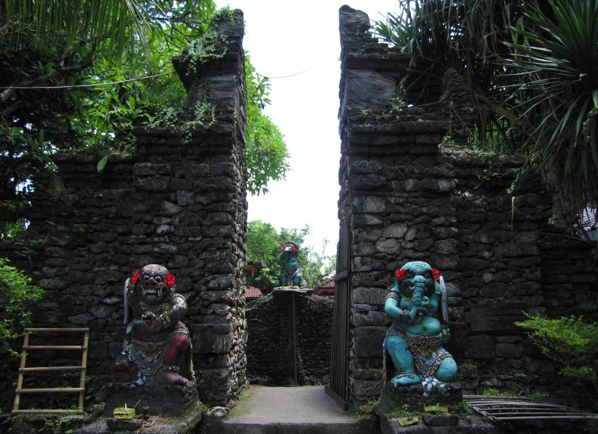 Candi bentar of the Pura Segara Intaran